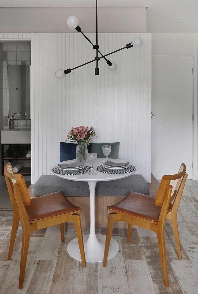 Mesa redonda branca Saarinen: moderna e minimalista