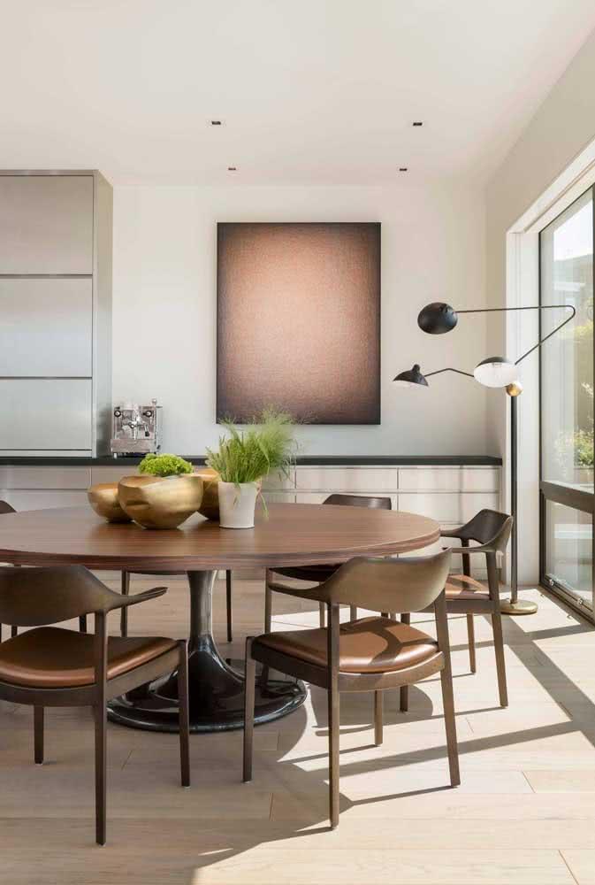 Mesa redonda seis lugares trazendo sofisticação para sala de jantar