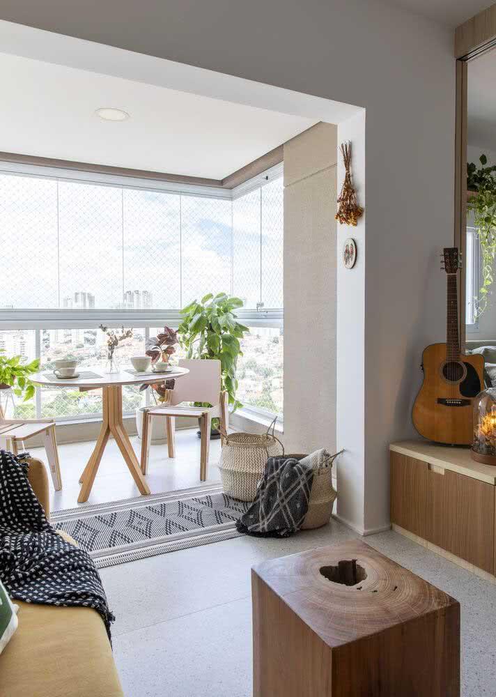 Espaço gourmet pequeno de apartamento totalmente integrado com a sala