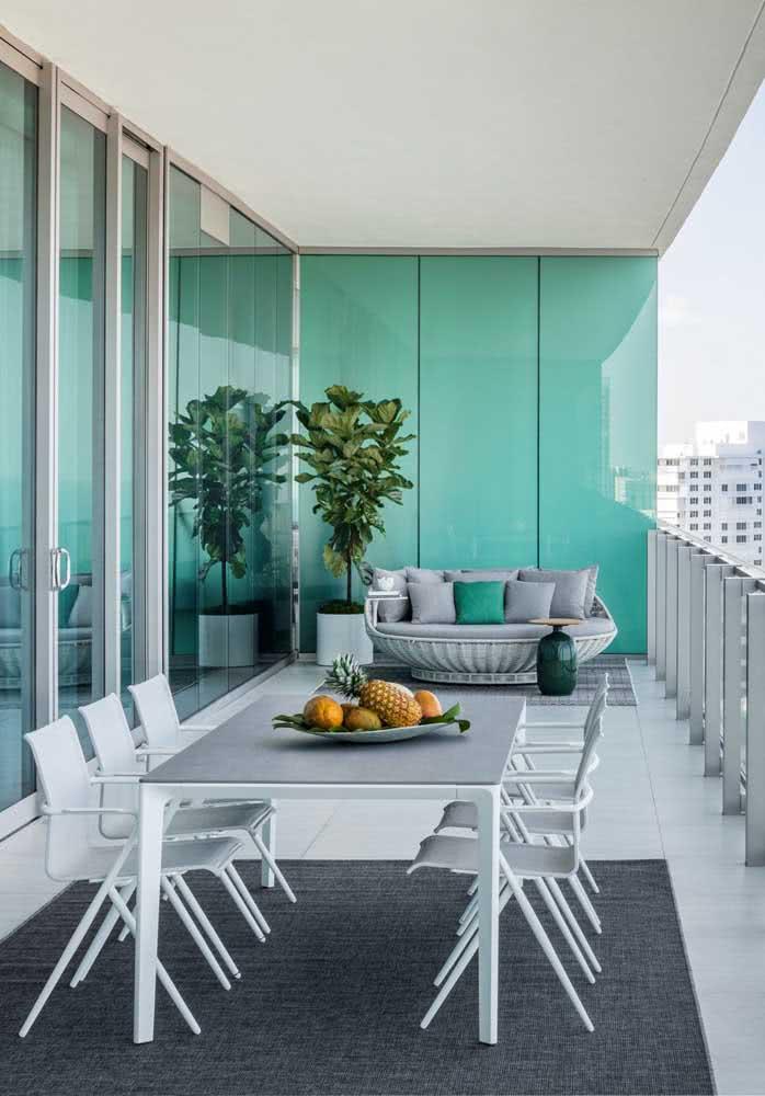 Espaço gourmet pequeno de apartamento com decoração elegante e moderna