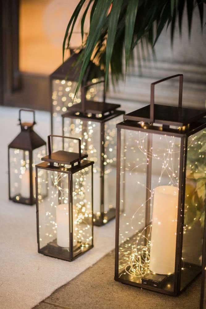Iluminação sob medida para decoração de festa romântica simples
