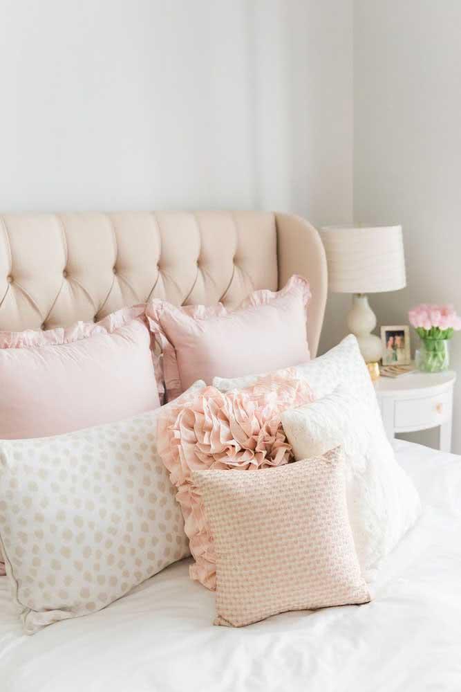 Decoração romântica para quarto de casal. Valorize a roupa de cama