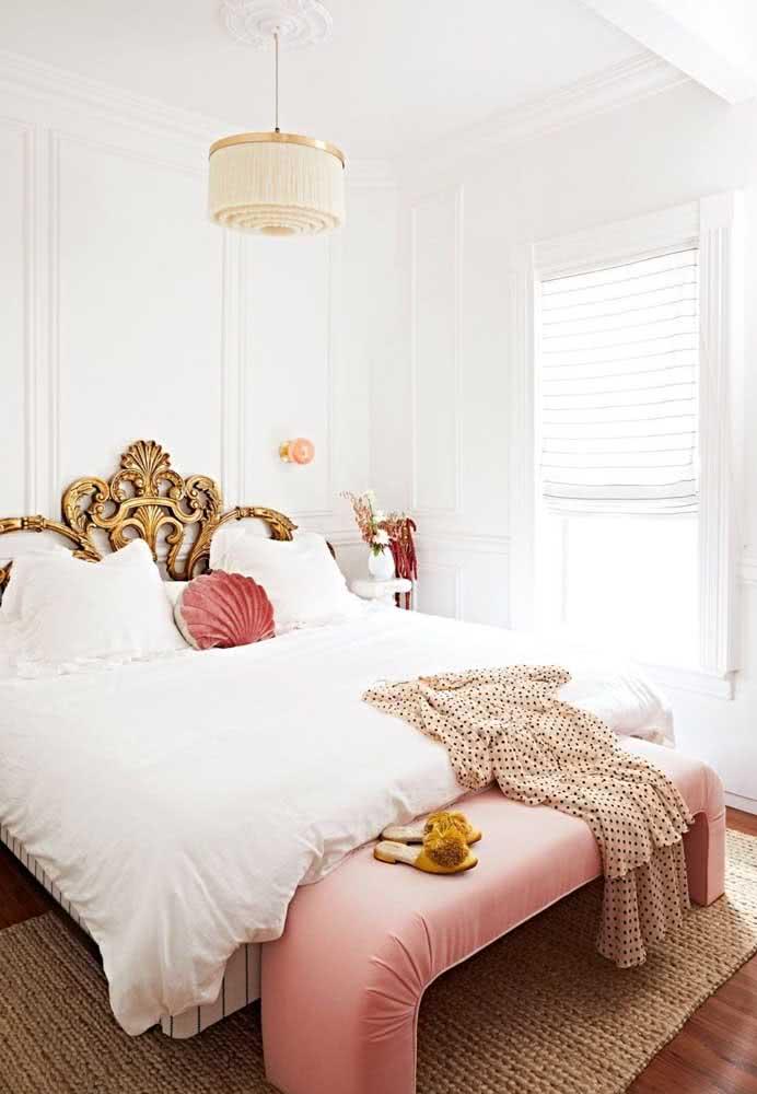 Cama vintage para o quarto de casal romântico