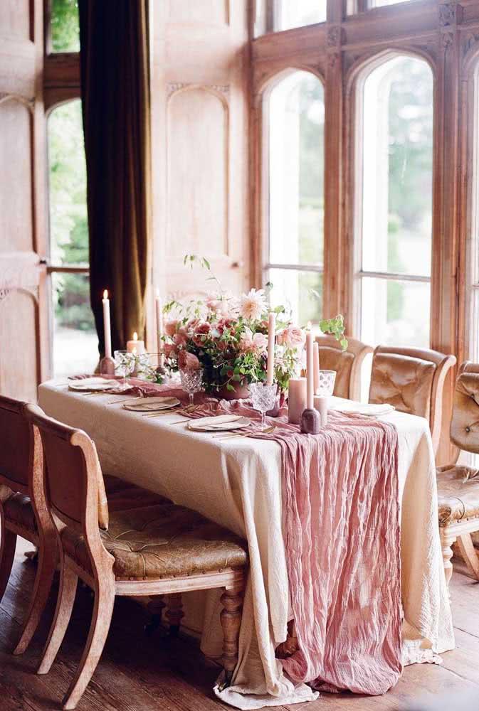 Decoração de mesa romântica: perfeita para um jantar especial