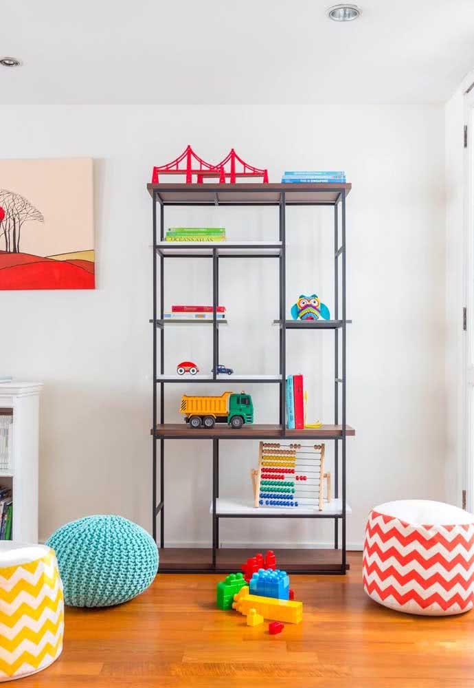 Estante para brinquedos moderna de metal, afinal, o quartinho infantil também precisa ter estilo