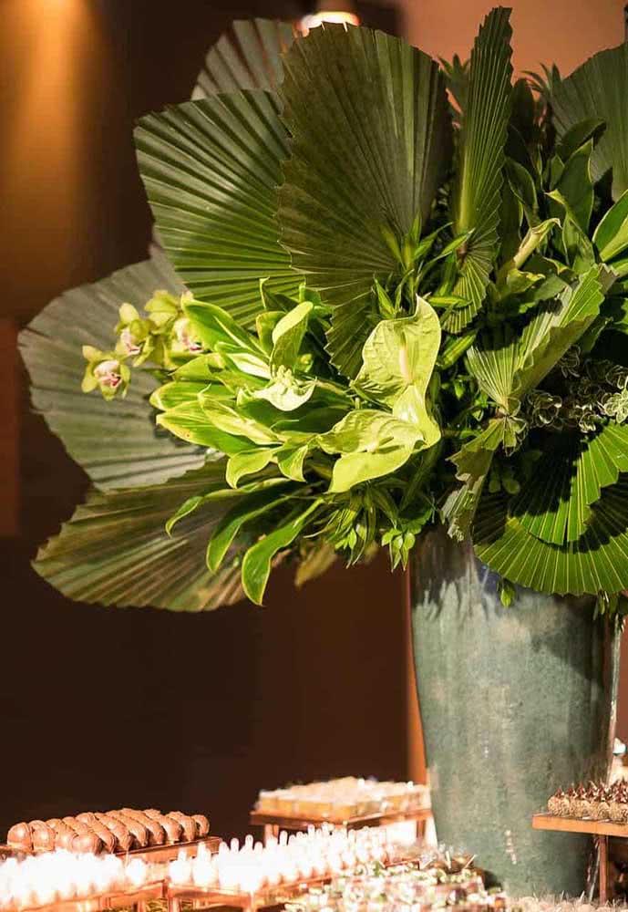 E o que acha de uma decoração de casamento com palmeira leque?