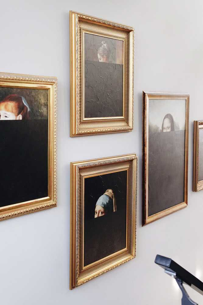 Uma intervenção moderna sobre os quadros clássicos na parede