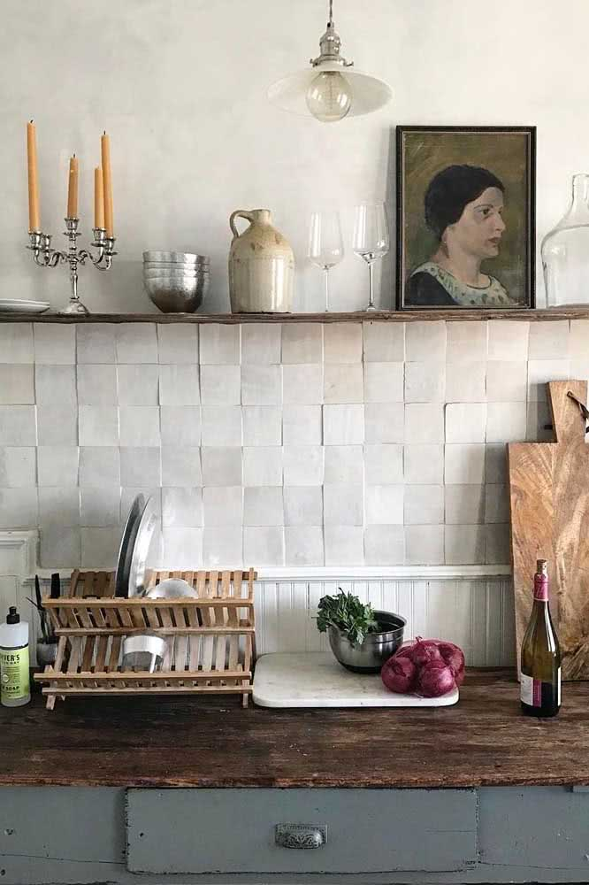 Quadro clássico na cozinha: simples, mas com forte apelo visual