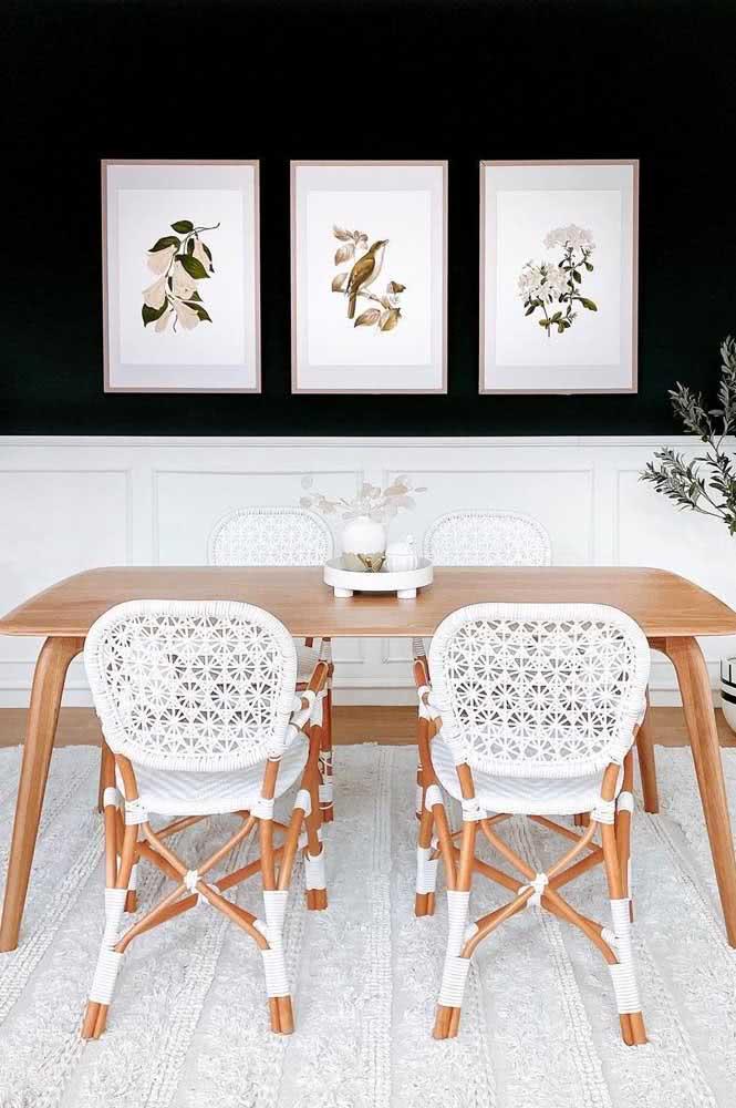 Quadros clássicos de fundo branco para se integrar a paleta de cores da decoração