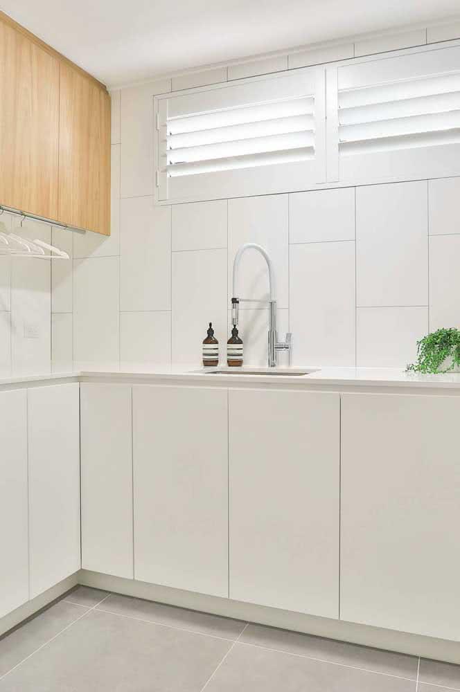 Nada como azulejos brancos para uma cozinha clean