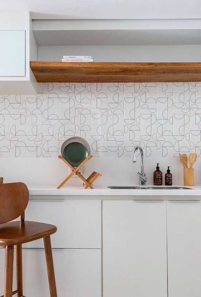 Um detalhezinho no azulejo para fazer a diferença no visual final da cozinha