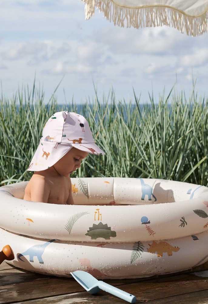 Piscina inflável para bebês: eles amam brincar na água