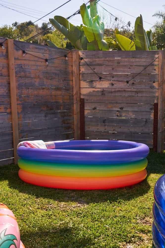 Piscina inflável infantil para o verão ficar mais divertido