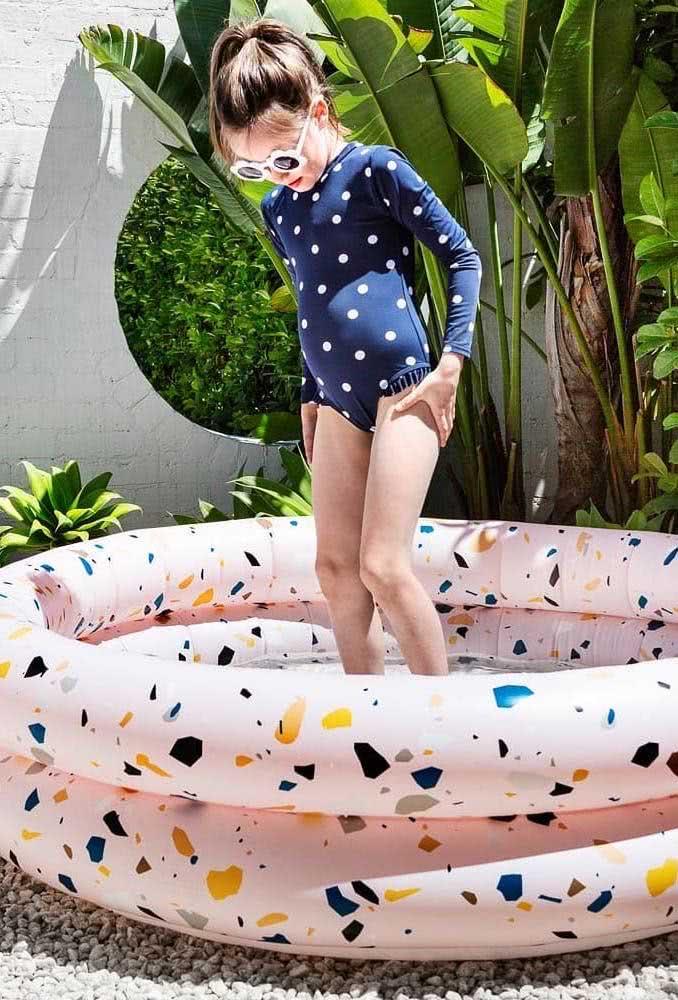 Piscina inflável infantil: leve e fácil de montar