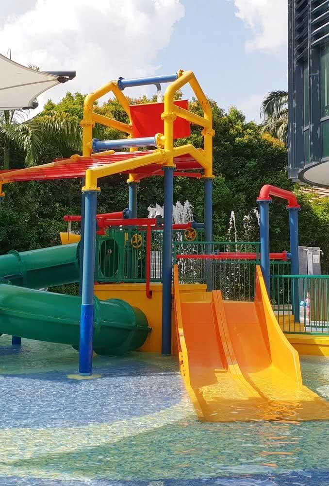 Playground com piscina. Não tem como ficar melhor!