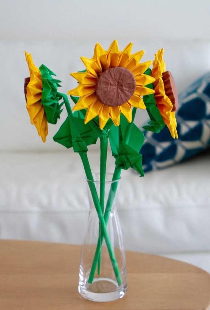 Girassol de papel para o vaso: ideia simples que sempre funciona