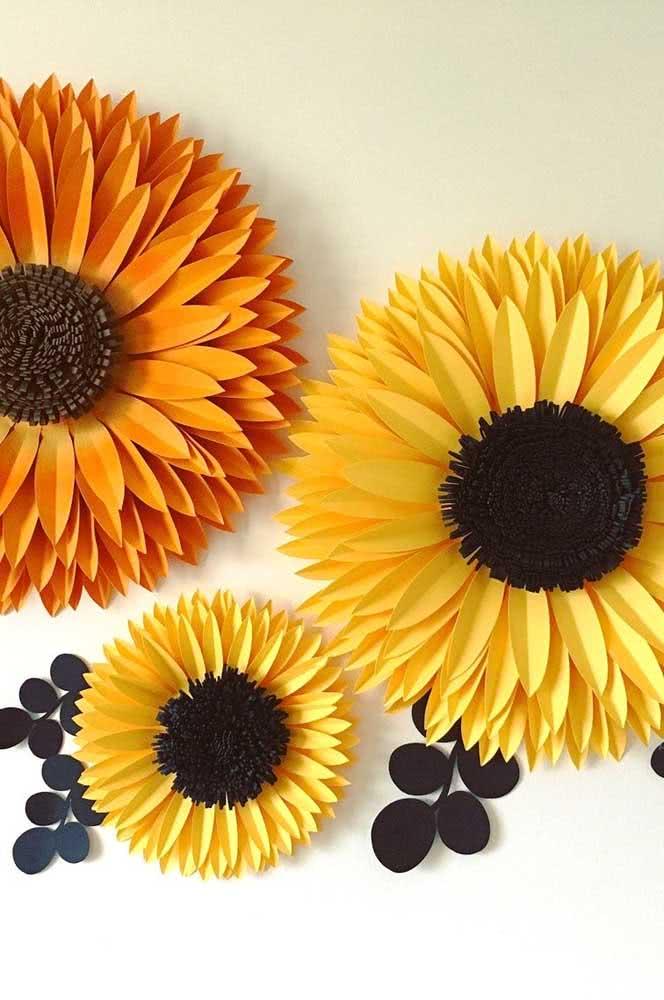Flores de girassol de papel gigante para pendurar na parede