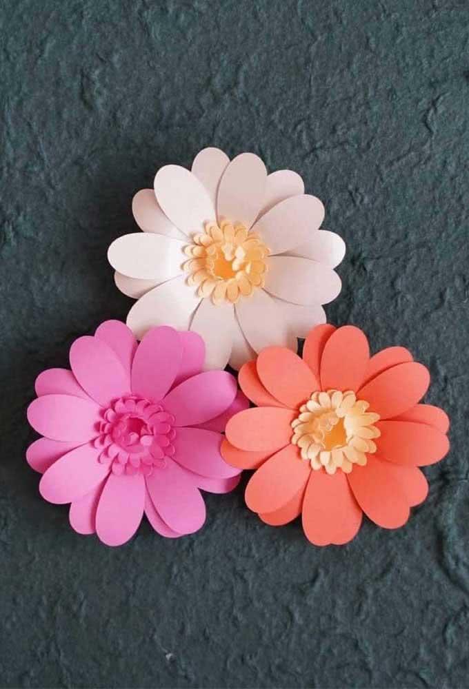 No papel, a flor de girassol pode ganhar outras cores