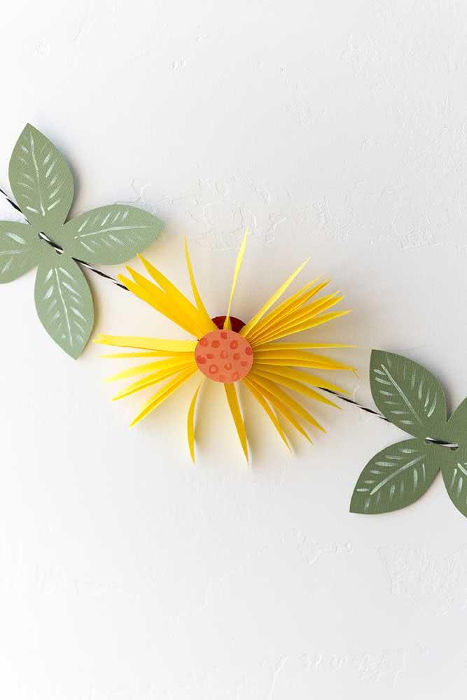 Cordão com flor de girassol de papel: use de forma criativa e como quiser