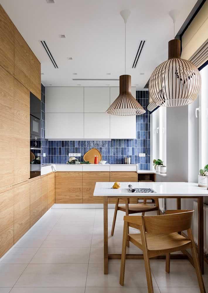 Armário de cozinha de canto para aproveitar todos os espaços