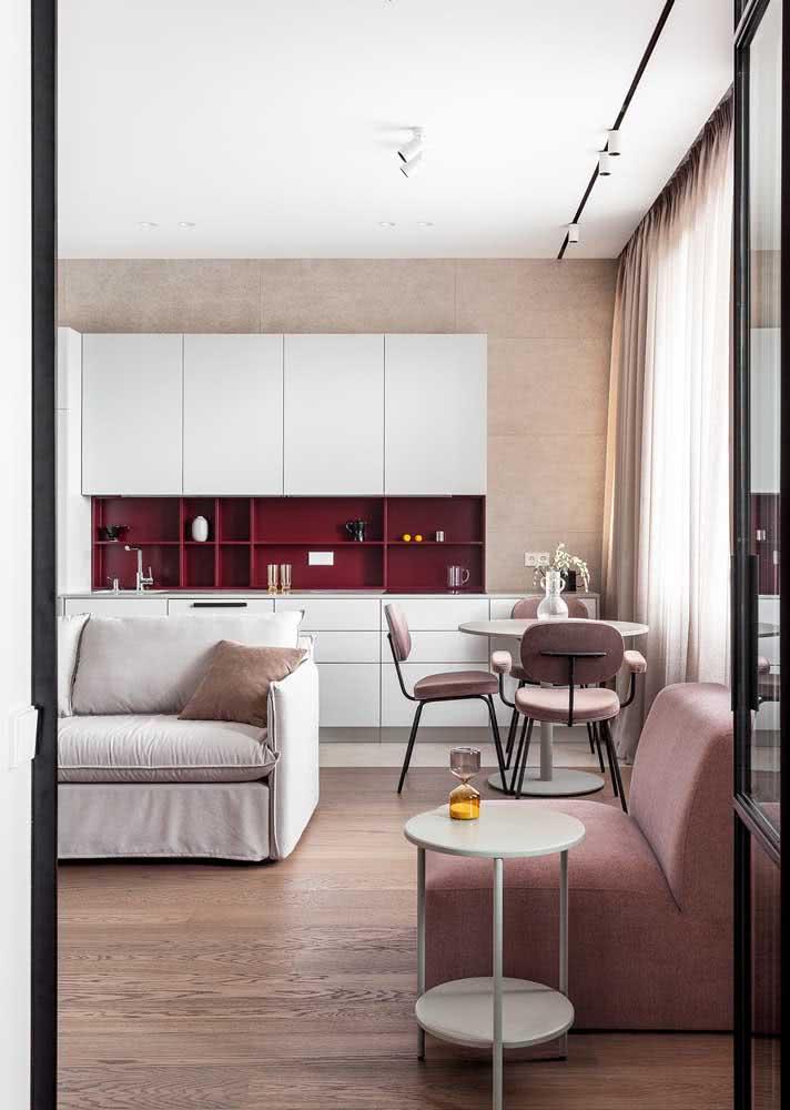 Armário de cozinha pequeno e branco. Um dos mais populares