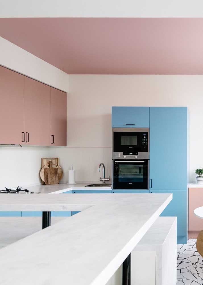 Armário de cozinha colorido: perfeito para quem busca estilo e personalidade