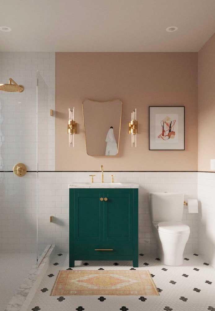 O armário verde é o ponto de cor dessa decoração nude