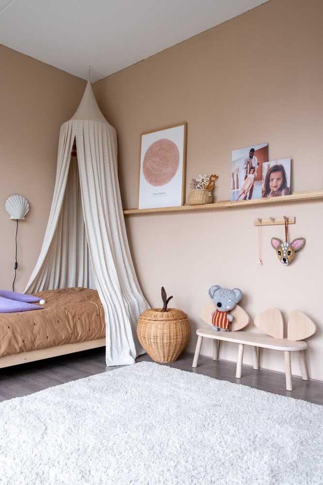 E o que acha de uma decoração de quarto infantil em tons nudes?